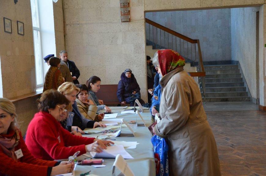 В Мариуполе избирательные участки открылись без военных (ФОТО), фото-6