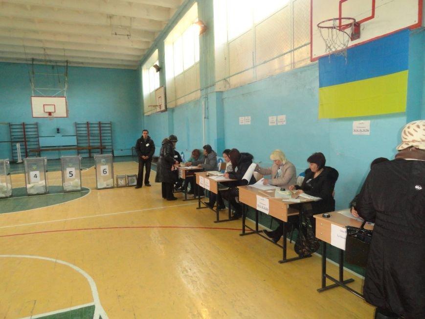 На  избирательных участках упала активность мариупольцев (ФОТО), фото-2