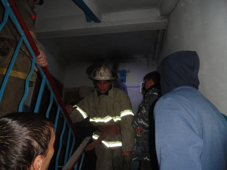 Изношенная электропроводка стала причиной возгорания в одной из пятиэтажек Жовтневого района (ФОТО), фото-3