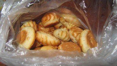 Фотофакт: гродненка купила печенье с тараканом внутри (фото) - фото 2