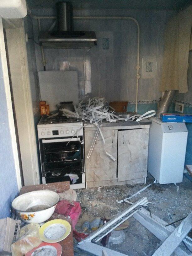 В результате обстрела жительница Талаковки попала в больницу (ФОТОРЕПОРТАЖ), фото-3