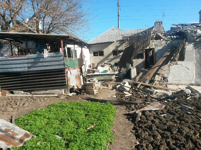 В результате обстрела жительница Талаковки попала в больницу (ФОТОРЕПОРТАЖ), фото-4
