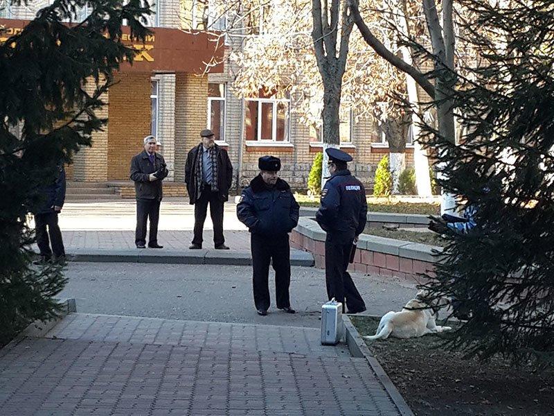 В белгородском лицее №17 искали бомбу, фото-2