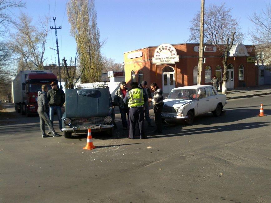 В Кировограде столкнулись две «Копейки» (фото), фото-2
