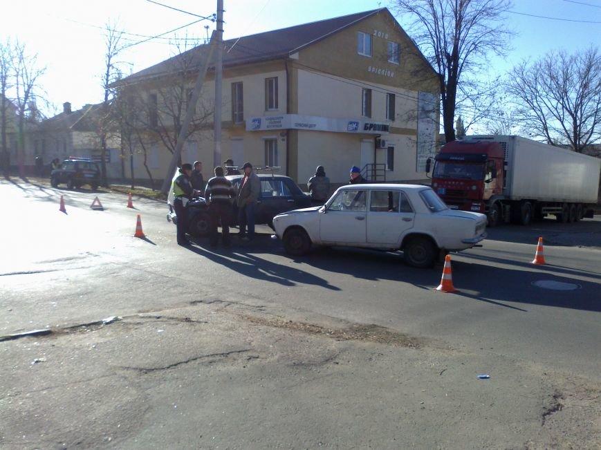 В Кировограде столкнулись две «Копейки» (фото), фото-1