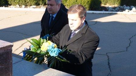 Мариупольцы отметили 70-летнюю годовщину освобождения Украины  (ФОТО), фото-6