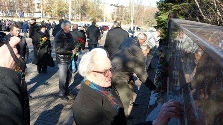 Мариупольцы отметили 70-летнюю годовщину освобождения Украины  (ФОТО), фото-3