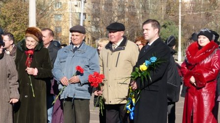 Мариупольцы отметили 70-летнюю годовщину освобождения Украины  (ФОТО), фото-10