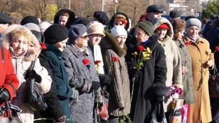 Мариупольцы отметили 70-летнюю годовщину освобождения Украины  (ФОТО), фото-11