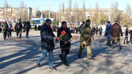 Мариупольцы отметили 70-летнюю годовщину освобождения Украины  (ФОТО), фото-2