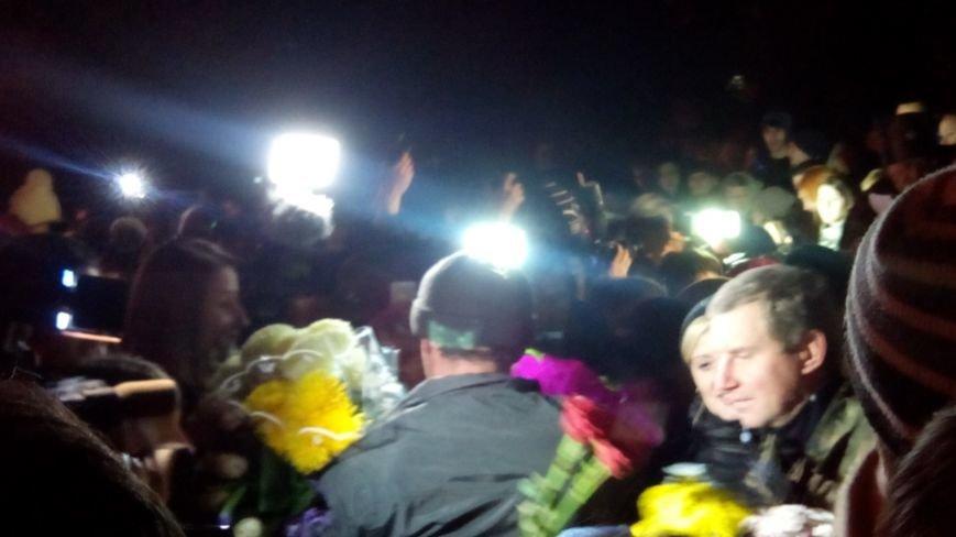 """""""Мы люди, пусть """"киборгами"""" нас зовут враги """" - Днепропетровск встретил защитников донецкого аэропорта - Цензор.НЕТ 3012"""