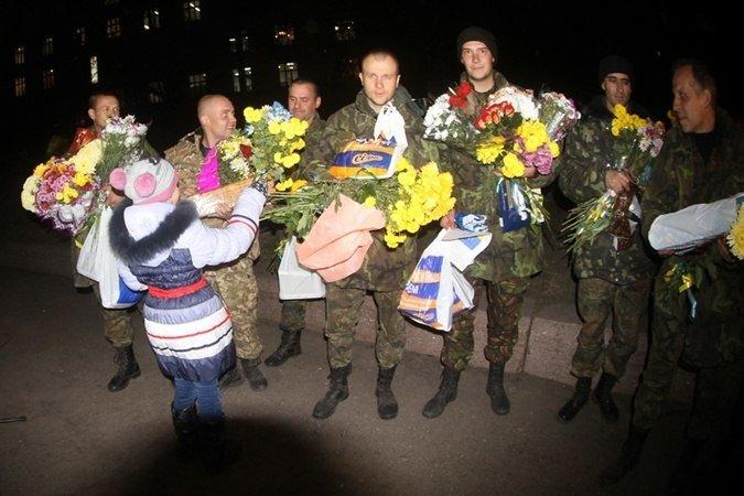 Четверо «киборгов», защищавших Донецкий аэропорт, вернулись домой в Кривой Рог (ФОТО), фото-4