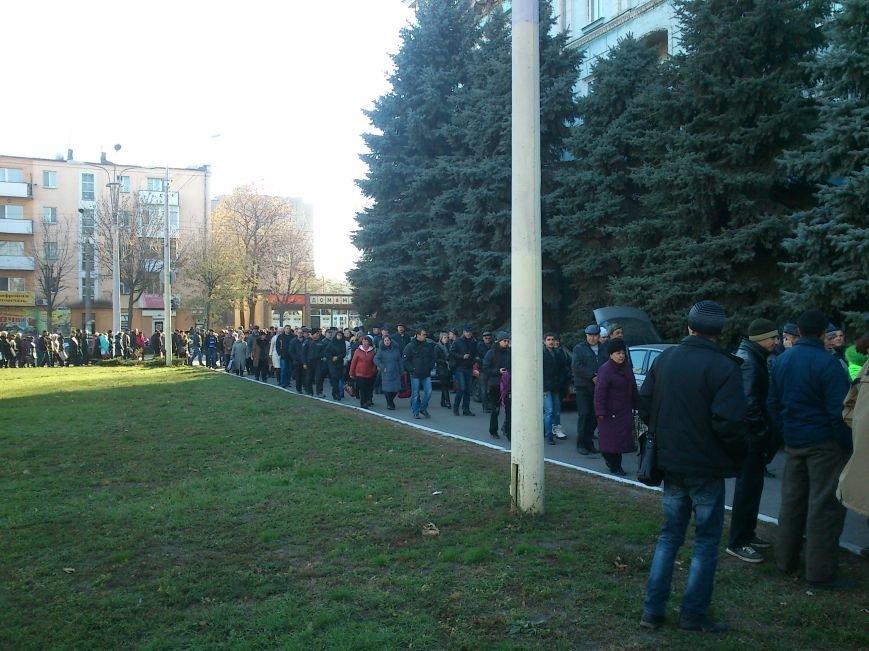 В Днепродзержинске работники предприятий кандидатов Захорольского и Дубинина митингуют за своих работодателей, фото-1