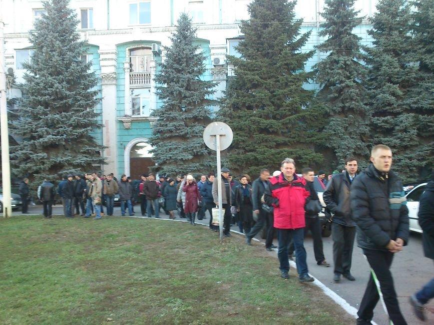 В Днепродзержинске работники предприятий кандидатов Захорольского и Дубинина митингуют за своих работодателей, фото-2