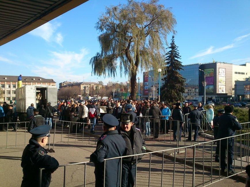 В Днепродзержинске работники предприятий кандидатов Захорольского и Дубинина митингуют за своих работодателей, фото-4