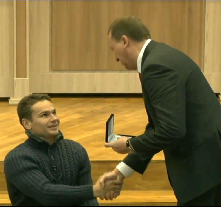 Мэр Сум наградил армреслера Николая Педоренко и его тренера, фото-1