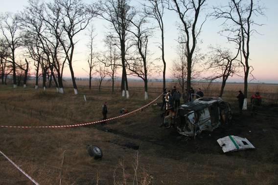На границе Днепропетровской и Полтавской областей в инкассаторскую машину стреляли из гранатомета: есть погибшие, фото-5