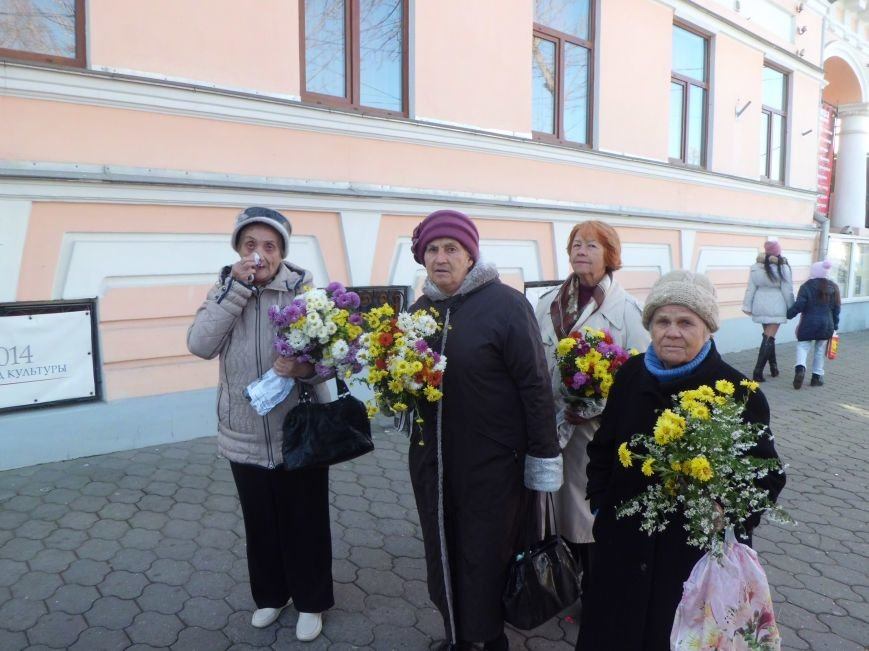 Сегодня в Таганроге состоялась акция, посвященная Дню памяти жертв политических репрессий (Фото)), фото-2