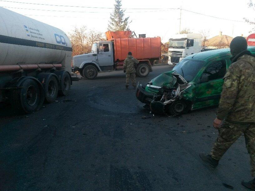 В Мариуполе военные попали в ДТП (ФОТО), фото-3
