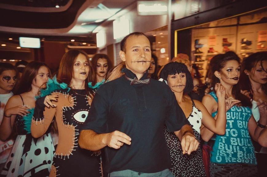 ФОТОРЕПОРТАЖ: В Симферополе «нечисть» собралась на шабаш в торговом центре, фото-6