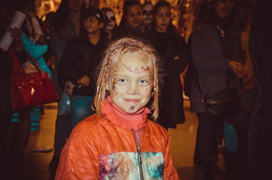 ФОТОРЕПОРТАЖ: В Симферополе «нечисть» собралась на шабаш в торговом центре, фото-13