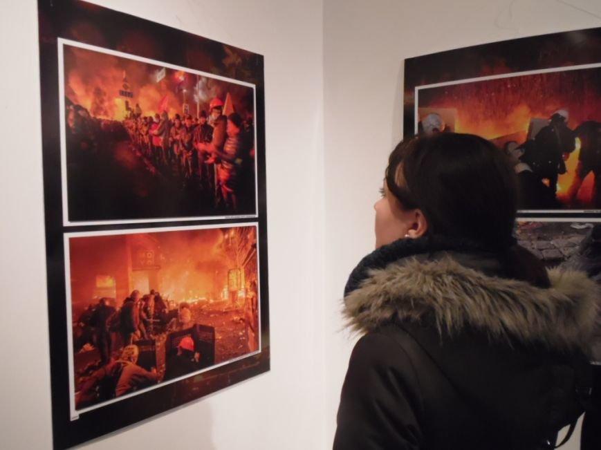 У Тернополі представили унікальну хроніку Революції Гідності (ФОТО), фото-8