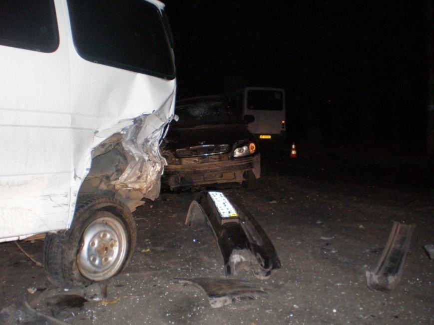 Страшное ДТП в Запорожье: пьяный водитель протаранил микроавтобус и влетел в маршрутку – среди пострадавших новорожденный (ФОТО), фото-1