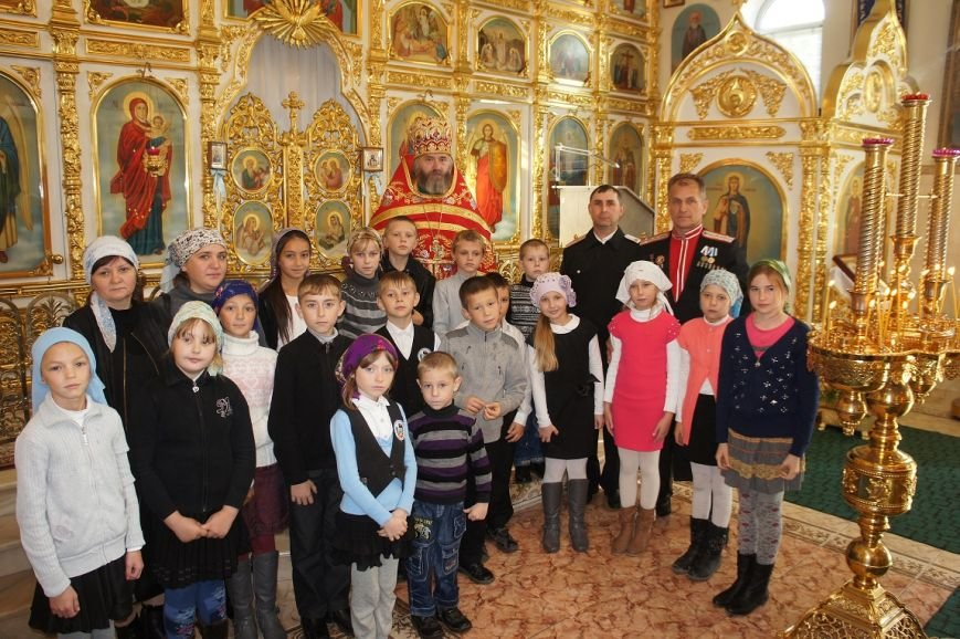 Казачата посетили Свято- Успенский храм, фото-1