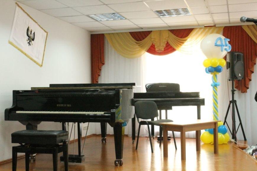 Черниговская музыкальная школа № 2 отметила юбилей. В подарок получила имя, фото-6