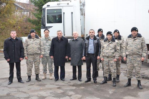 Десять тонн допомоги зібрали волонтери для спецбатальйону «Тернопіль», фото-2