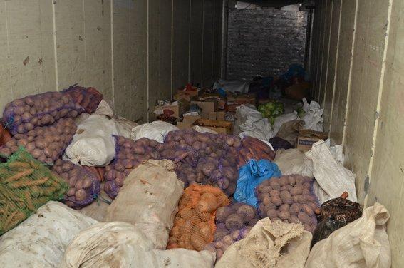 Десять тонн допомоги зібрали волонтери для спецбатальйону «Тернопіль», фото-1