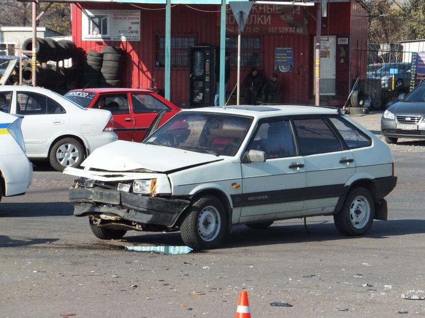 В Кировограде произошло ДТП с участием трех автомобилей (фото), фото-5