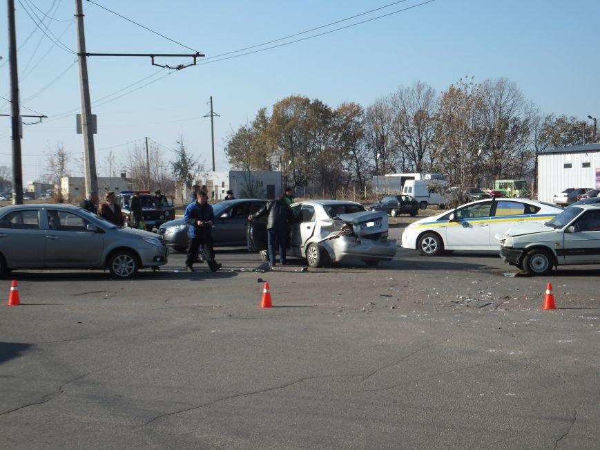 В Кировограде произошло ДТП с участием трех автомобилей (фото), фото-7