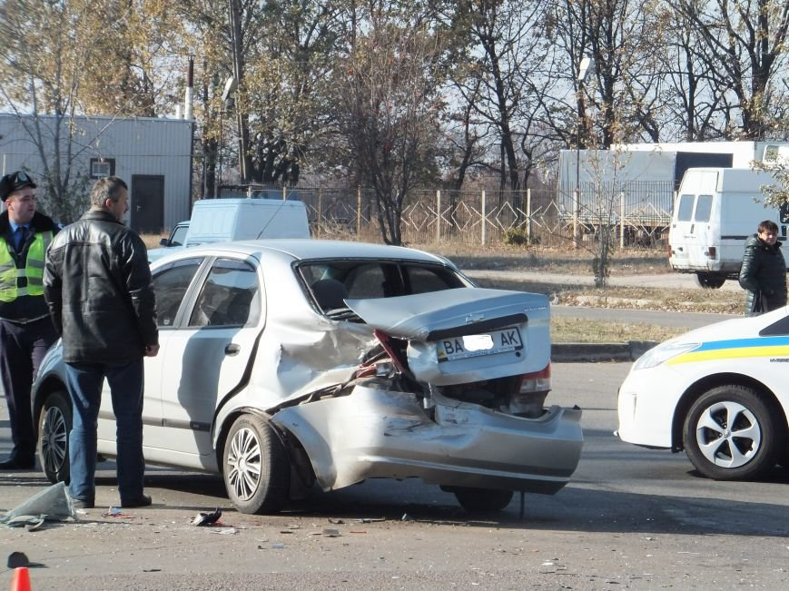 В Кировограде произошло ДТП с участием трех автомобилей (фото), фото-3