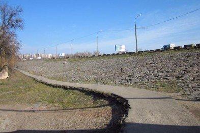 В Кривом Роге жгут мусор во дворах и ремонтируют 850 метров дороги за 38,66 миллионов, а криворожанка Цыпко замечена в Питере, фото-3