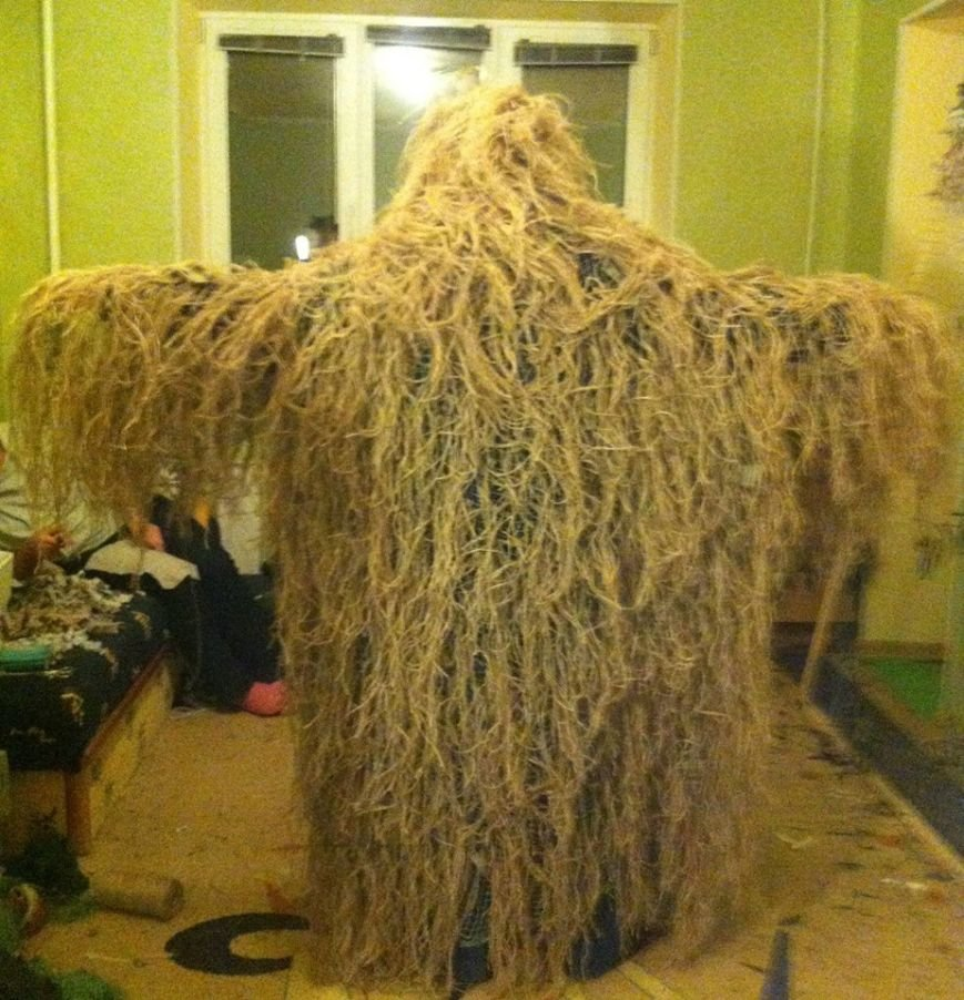 Криворожанки изготовили более 200 квадратных метров маскировочной сетки и принялись за «кикимору» (ФОТО), фото-2