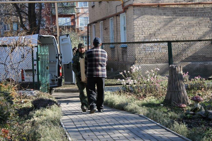 Батальон «Днепр-1» оказал помощь вынужденным переселенцам, которые проживают в Красноармейске, фото-7