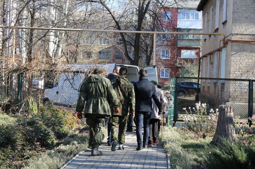 Батальон «Днепр-1» оказал помощь вынужденным переселенцам, которые проживают в Красноармейске, фото-3