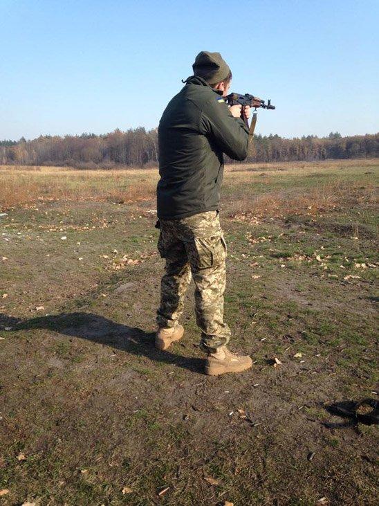 """""""Мій тато був на війні. Я за ним дуже скучила"""", - в Житомире встречали с Донбасса десантников 95-й бригады - Цензор.НЕТ 8540"""