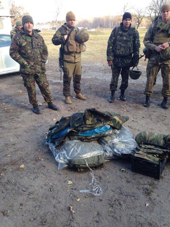 """""""Мій тато був на війні. Я за ним дуже скучила"""", - в Житомире встречали с Донбасса десантников 95-й бригады - Цензор.НЕТ 5292"""