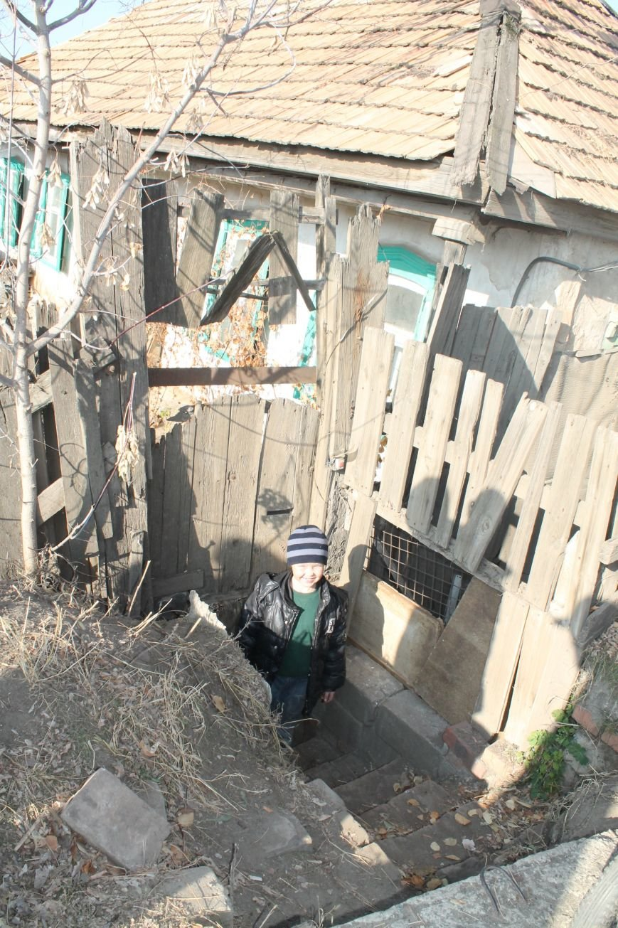 Многодетная семья переселенцев из Горловки нуждается в помощи артемовцев, фото-4