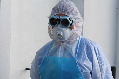 В Днепропетровске женщину с подозрением на вирус Эбола госпитализировали из аэропорта в больницу (ФОТОРЕПОРТАЖ), фото-6