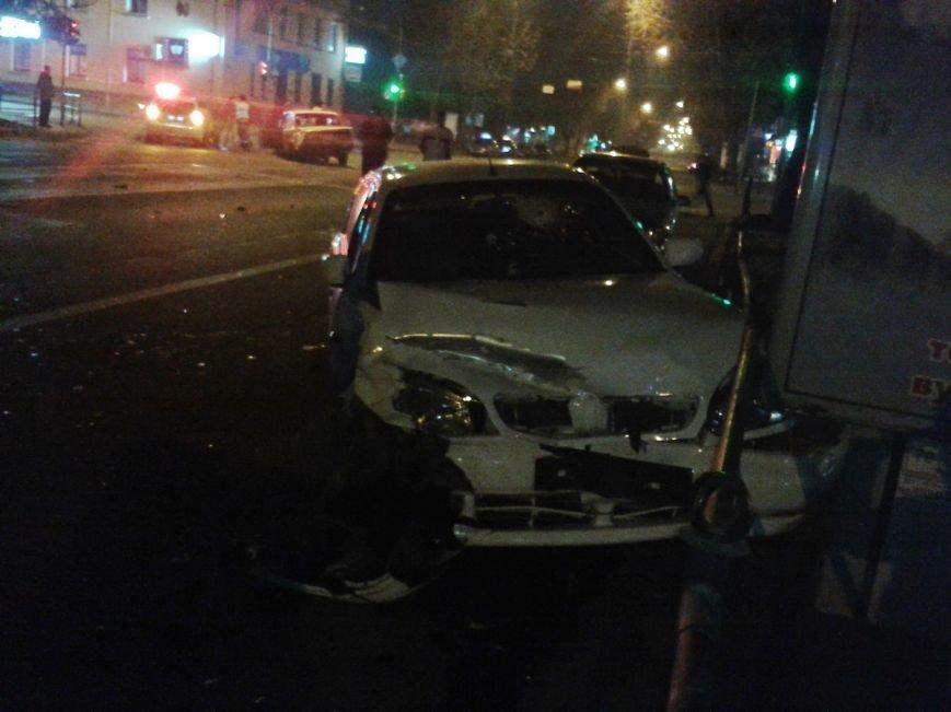 У центрі Тернополя зіткнулися два автомобілі таксі, є потерпілі (ФОТО), фото-2