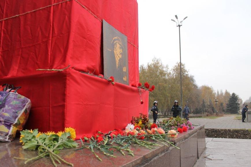 Коммунисты Кривого Рога рассказали молодым активистам, что в СССР всем давали квартиры, а сейчас одни наркоманы и фашисты  (ФОТОРЕПОРТАЖ), фото-17
