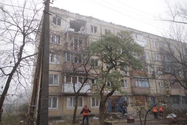 В Донецке артобстрел принес сильные разрушения поселку Северный (ФОТОФАКТ), фото-1