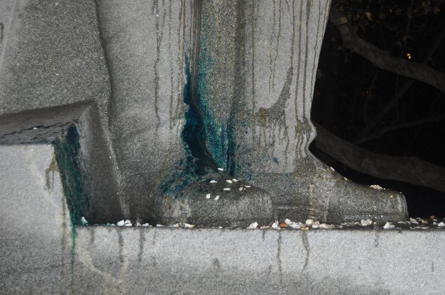 ФОТОРЕПОРТАЖ: Попытка повалить «Железного Феликса» в Запорожье «захлебнулась», фото-23