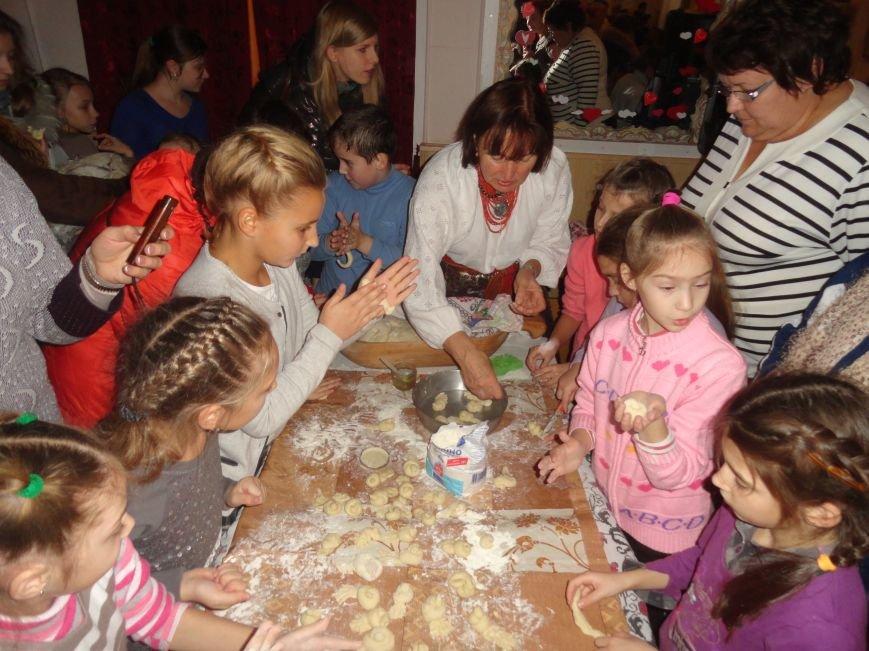 Мариупольцы осваивали  make-up, искусство изготовления свечей из вощины и многое другое (ФОТОРЕПОРТАЖ), фото-6