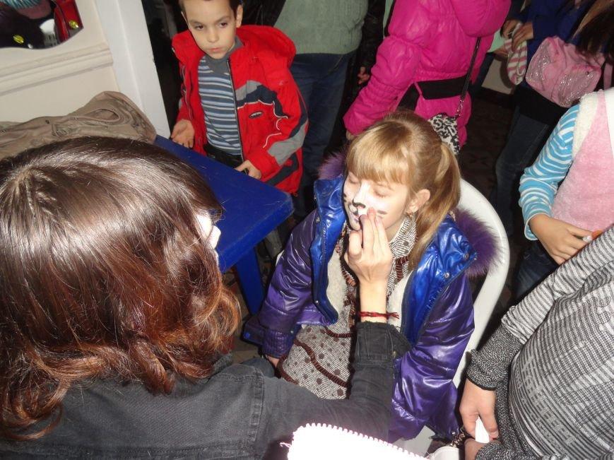 Мариупольцы осваивали  make-up, искусство изготовления свечей из вощины и многое другое (ФОТОРЕПОРТАЖ), фото-12