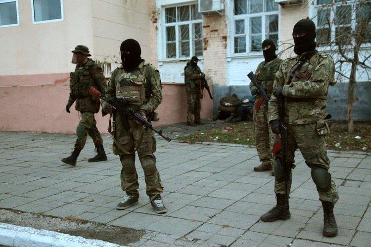 Стрельба в Васильевке: возле ОВК №79 произошла стычка двух группировок «Правого сектора» с применением оружия, - СМИ (ФОТО), фото-1