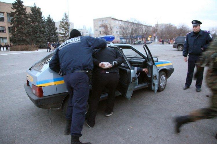 Стрельба в Васильевке: возле ОВК №79 произошла стычка двух группировок «Правого сектора» с применением оружия, - СМИ (ФОТО), фото-2
